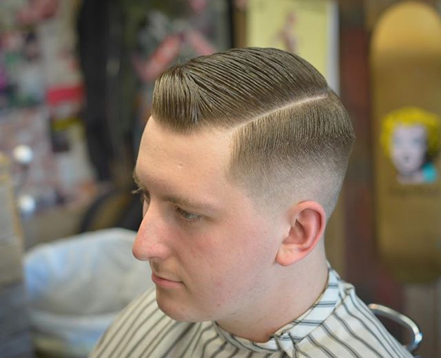 Websta Sbbarbers Keeping It Old School With This Hard Part 0 5 Faded Out And Styled With Layriteofficial Layrite Super Hold Comb Over Fade Fade Out Comb Over