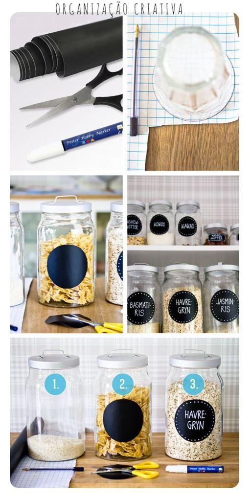 Com uma folha de papel contact preto fosco e caneta branca é possível dar uma cara nova e irreverente aos velhos potes da cozinha. Assim eles vão dar um toque de personalidade na decoração da sua casa!    … Continuar lendo →: