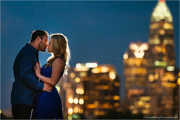 uptown-charlotte-engagement-photos, charlotte skyline photos, crystal stokes photography, engagement photo locations in charlotte nc