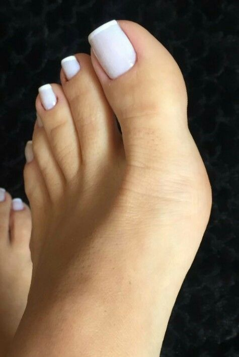 white sexy toes