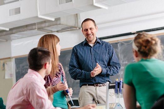 Más de 400 plazas para trabajar en la enseñanza universitaria de España http://www.cvexpres.com/2016/mas-de-400-plazas-para-trabajar-en-la-ensenanza-universitaria-de-espana/