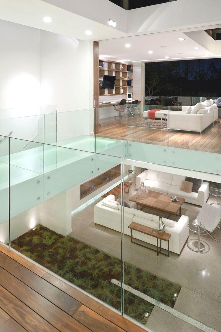 Split level/ Vide geen traphekjes, ook niet glas