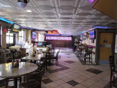 Hurricane's Bar and Grill