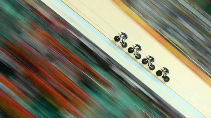 The crowd is just a blur as #TeamGB women's pursuit fly round the track way to gold and a world record in #rio2016 #cycling in phlow