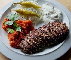 Bifteki...Mit Käse gefülltes rinderhackfleisch