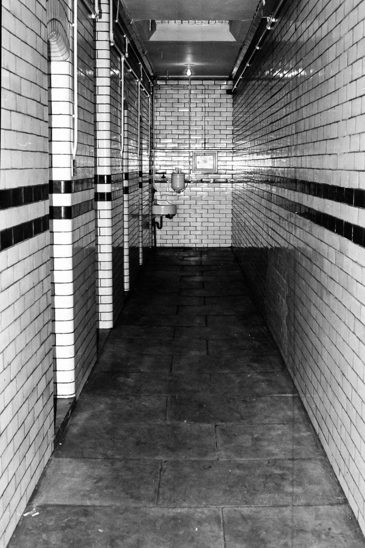 Photographs of Ilkeston, Derbyshire - Ilkeston Police Cells #2