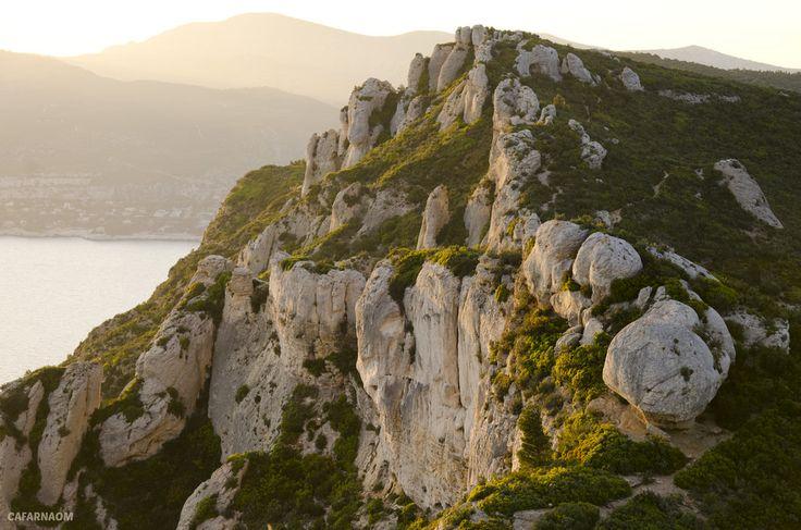 Pierres de Cassis sur lit de soleil couchant / Stone of Cassis under the Sunset