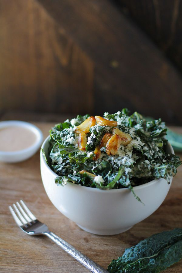 Spicy Kale Caesar Salad with Roasted Garlic #detox #letthemeatkale #recipe