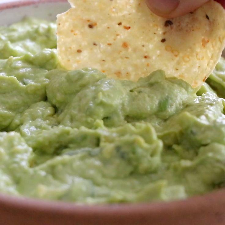 2 Minute Creamy Avocado Dip