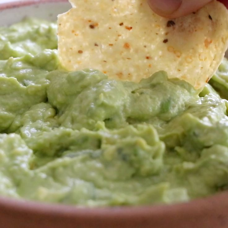 2 Minute Creamy Avocado Dip