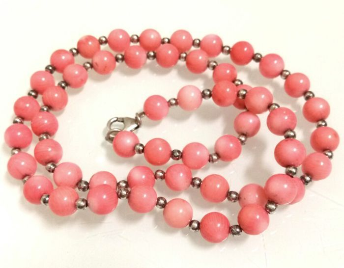 Catawiki online auction house: Vintage natural Pink Coral Necklace-52 cm- 31.9 g