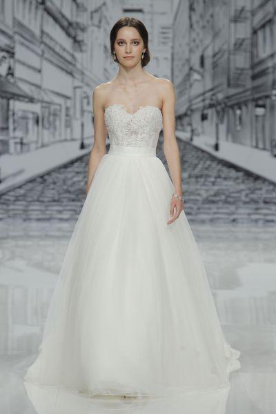 Vestidos de novia escote corazón 2017: 30 magníficos diseños que te harán soñar Image: 11