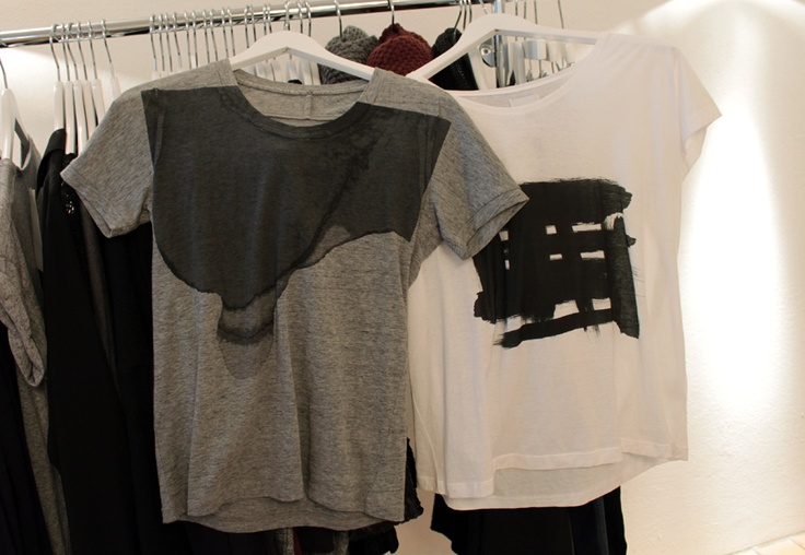 Black Swan AW12 - T-shirt with Chic Print. #4Party and Daily#  Allistair ss top 220,00 DKK // Amsterdam ss top 220,00 DKK