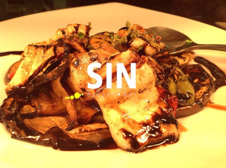 grill vegetables #sinburgerbar #bestburgers #like4like #summerfavor #burgers #faliro #greece #fun #taste