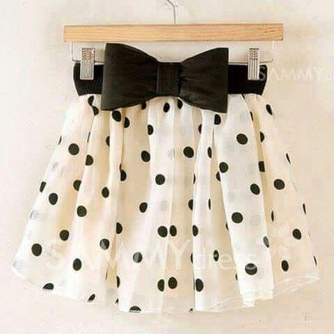 Falda con lunares *-*