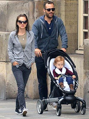 68 Best Celebrities and Strollers images | Baby buggy ...