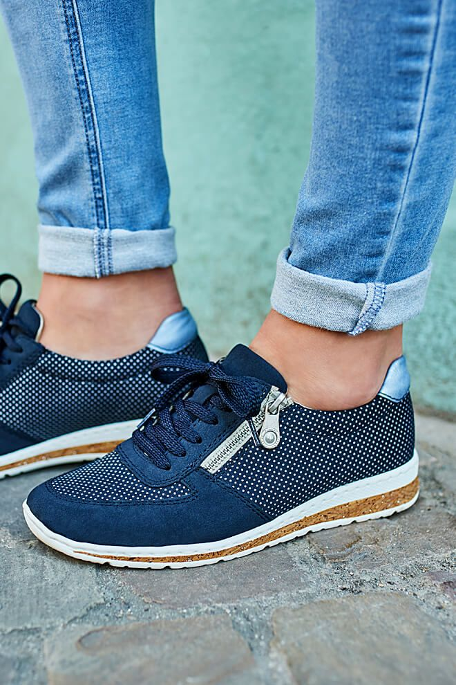 In love with this Sneaker! ???????? denn er überzeugt mit M9hDT