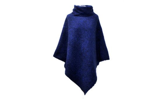 Cape Poncho mit Kragen Blau Wolle 882 von dunkledesign auf Etsy