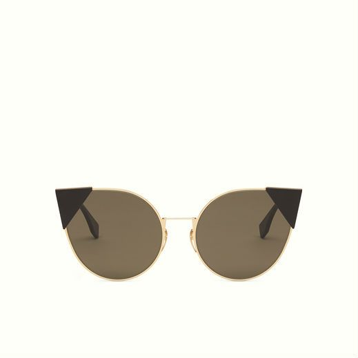 Fendi Lei sunglasses with a light and minimal frame in metal with pink gold finish.