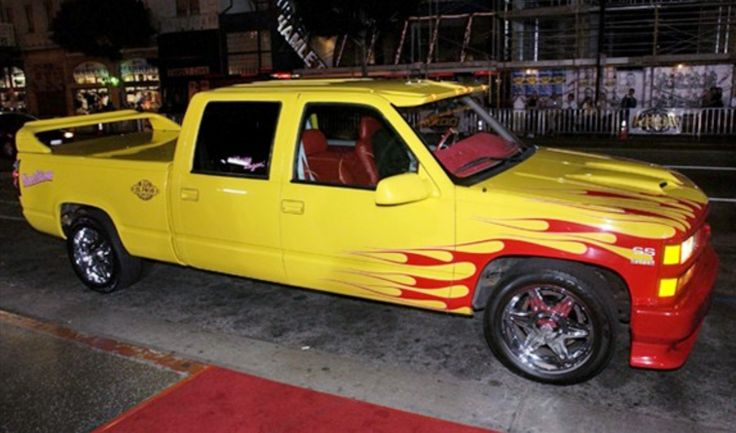 "1997 Chevy Silverado C-2500 Fleetside ""PUSSY WAGON"" from Kill Bill"