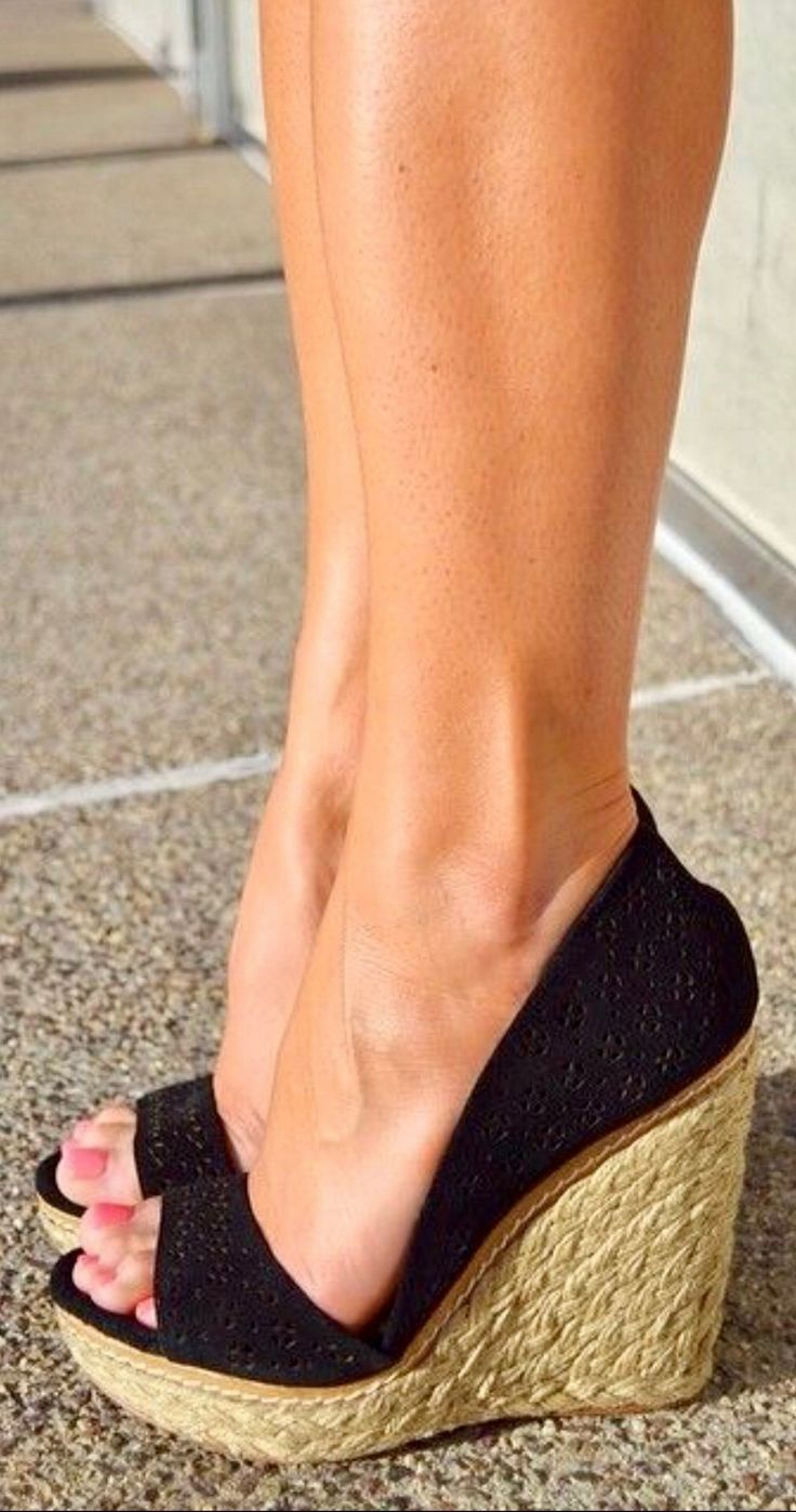 Self-perfection: how to pump the calves of the feet at home