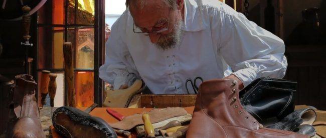 shoemaker-schuster