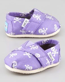 I know a lot of little pirates that need these shoes