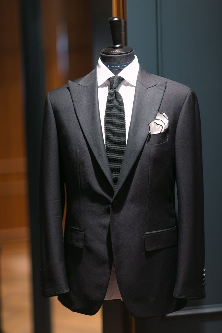 Signals of a handmade suit