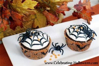 Halloween Spider Web Cupcake Decorating Idea