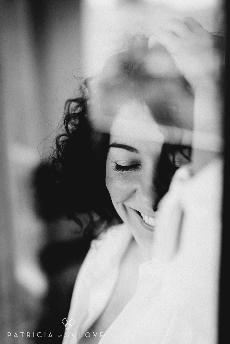 portrait. retrato. black and white. blanco y negro. window. reflejo.