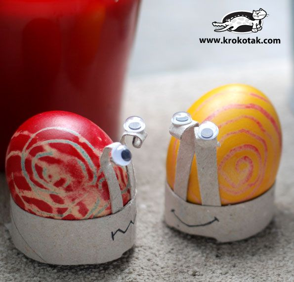 Toilet Paper Roll Ideas | Easter snails made out of an empty toilet paper roll.
