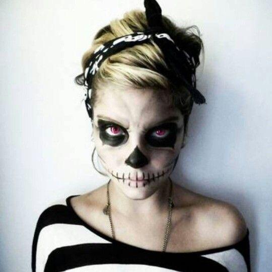 Ya estamos comenzando a pensar seguro que Halloween, y aunque quizás estéis pensando algunas ideas de disfraces sexys para Halloween 2016 , hoy vamos a dejar un poco de lado la ropa y poder centrarnos así en un aspecto fundamental de todo disfraz para este día: el maquillaje de terror.