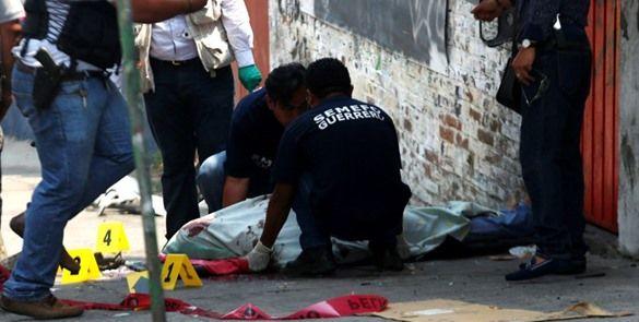 Balean terminal de camiones en Acapulco; reportan un muerto