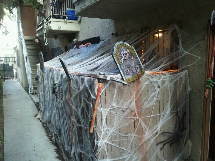 902 best halloween decorating ideas images on pinterest ... - Patio Halloween Decorating Ideas