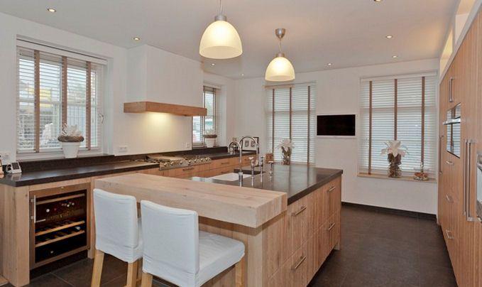17 beste idee n over rustiek kookeiland op pinterest rustiek huis plannen landhuizen en - In het midden eiland keuken ...