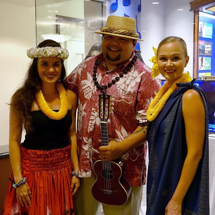 Waikiki Beach Wedding Ceremony: Special Oceanfront Resort In Waikiki! PC:@outriggerwaikiki