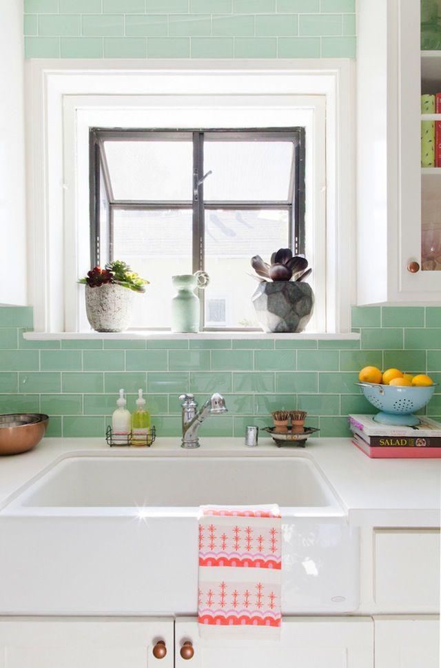 Obsessed with this aqua tile backsplash