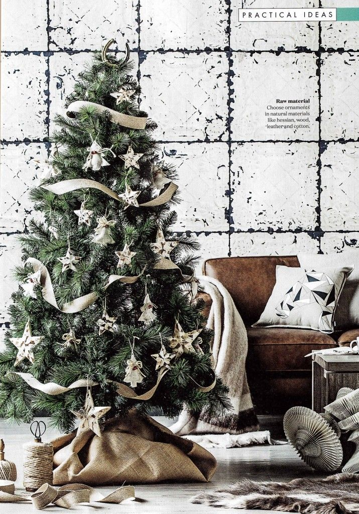 Our Tin Plates Nebraska Mural shown in Homes Plus Magazine Australia. The lovely Christmas styling made på Kerrie-Ann Jones and Photography by Maree Homer.  http://rebelwalls.com/collections/no-2-frontage/tin-plates-nebraska-white/