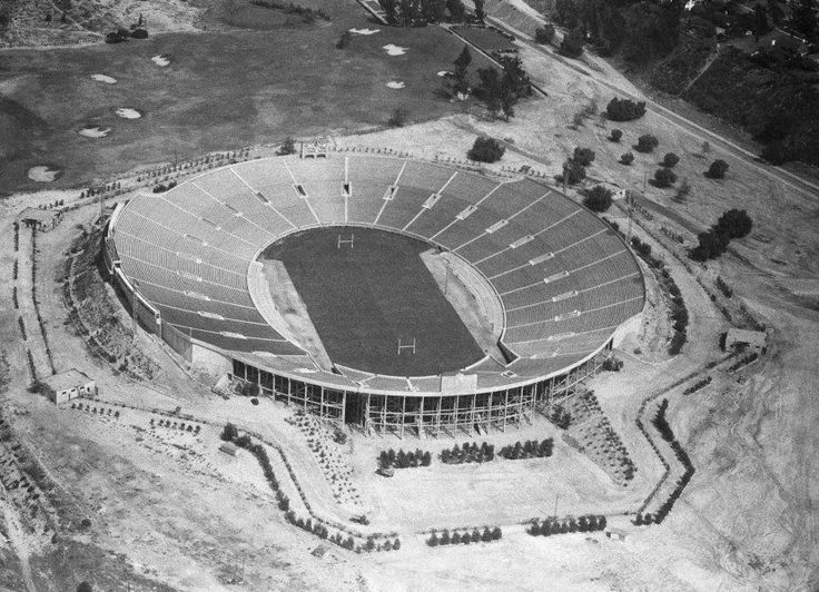 Washington and Alabama redefined college football — in 1926 = Saturday, Alabama will be the heavy favorite in a bowl game against Washington. Saturday, the Southern team will be the accepted standard bearer in college football, while the team from…..