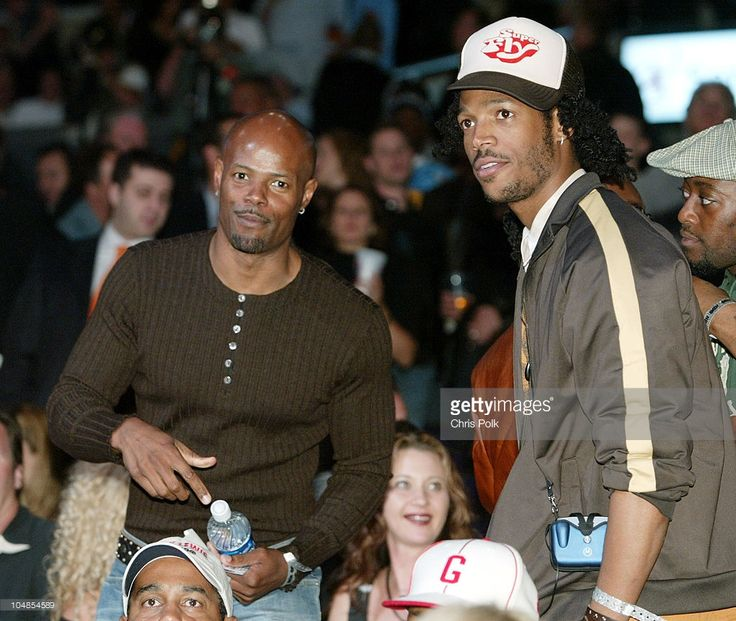 Keenen Ivory Wayans and brother Marlon Wayans during Lennox Lewis vs Vitali Klitschko - Ringside at Staples Center in Los Angeles, California, United States.