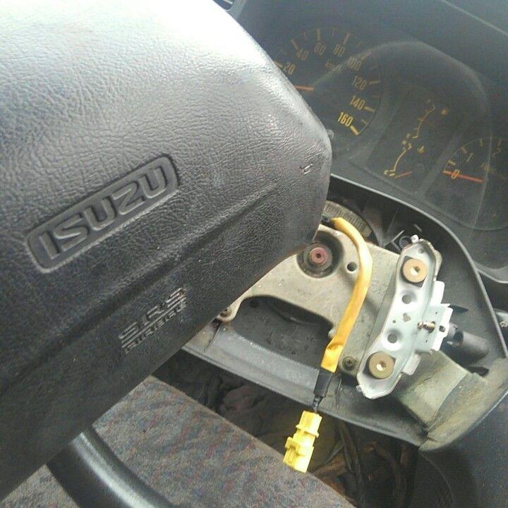 自動車リサイクル法の指定範囲内なので、取り外して保存します。