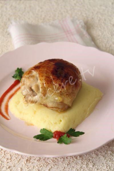 Davet sofralarınıza yakışacak kadar şık sunumu ile muhteşem bir lezzet geliyor, Tavuk Topkapı...