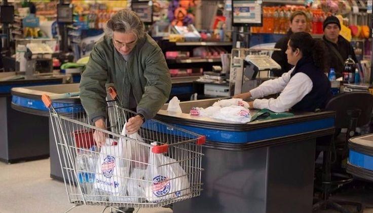 Tras seis meses, los supermercados volverán a entregar bolsas plásticas: Vendrán de color verde, parar los residuos reciclables, y negro,…