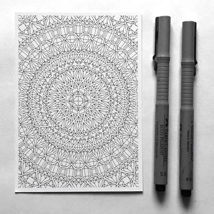 Endless coloring fun is guaranteed with this gemstones mandala coloring postcard! Look at all these tiny details! In the age of adult coloring I think we still lack clean and well designed coloring pages. The illustrations by Anna Grunduls are the exact opposite - these are a pure elegance and always turn out amazing, no matter how old or young you are! After all coloring is not only about the process - we all want to enjoy the finished pieces ;)