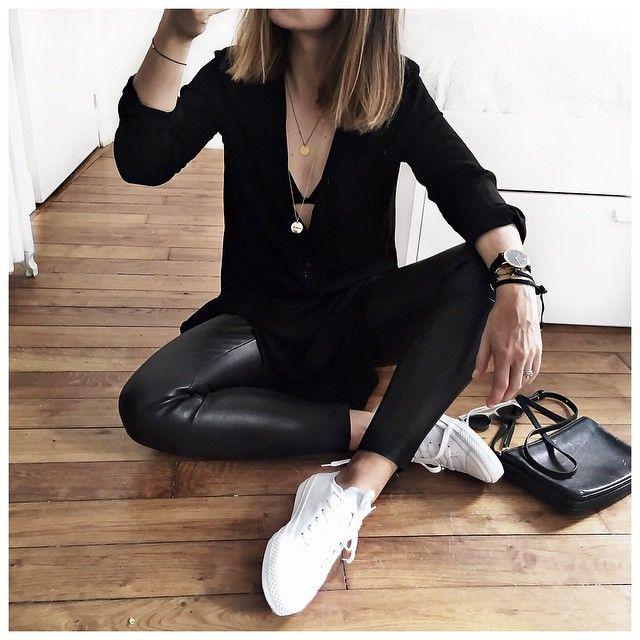 Leather leggings, sweater & sneakers.