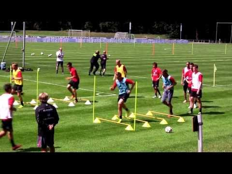 Marcelo Bielsa - Pass and Position Change for a Soccer specific Endurance - YouTube