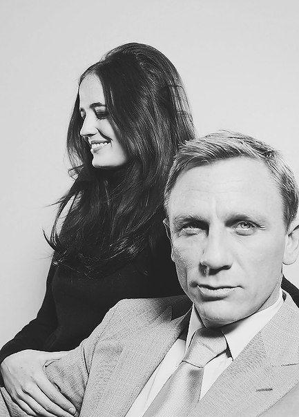 Daniel Craig and Eva Green don't like eva green but like this photo