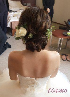 お気に入りのドレス達に合わせるお洒落な3STYLE♡ の画像 大人可愛いブライダルヘアメイク 『tiamo』 の結婚カタログ