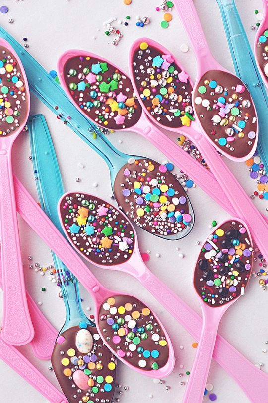 Chocolate Spoons: Wrap a bunch of chocolate spoons up into a yummy bouquet. These are perfect for those who like to indulge in a little bit of chocolate — like a spoonful — at a time.  Source: Sweetapolita
