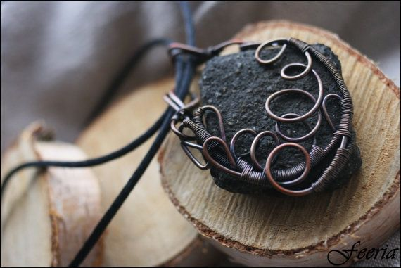 Brawl Pendant - wired copper, magic, fantasy, LARP